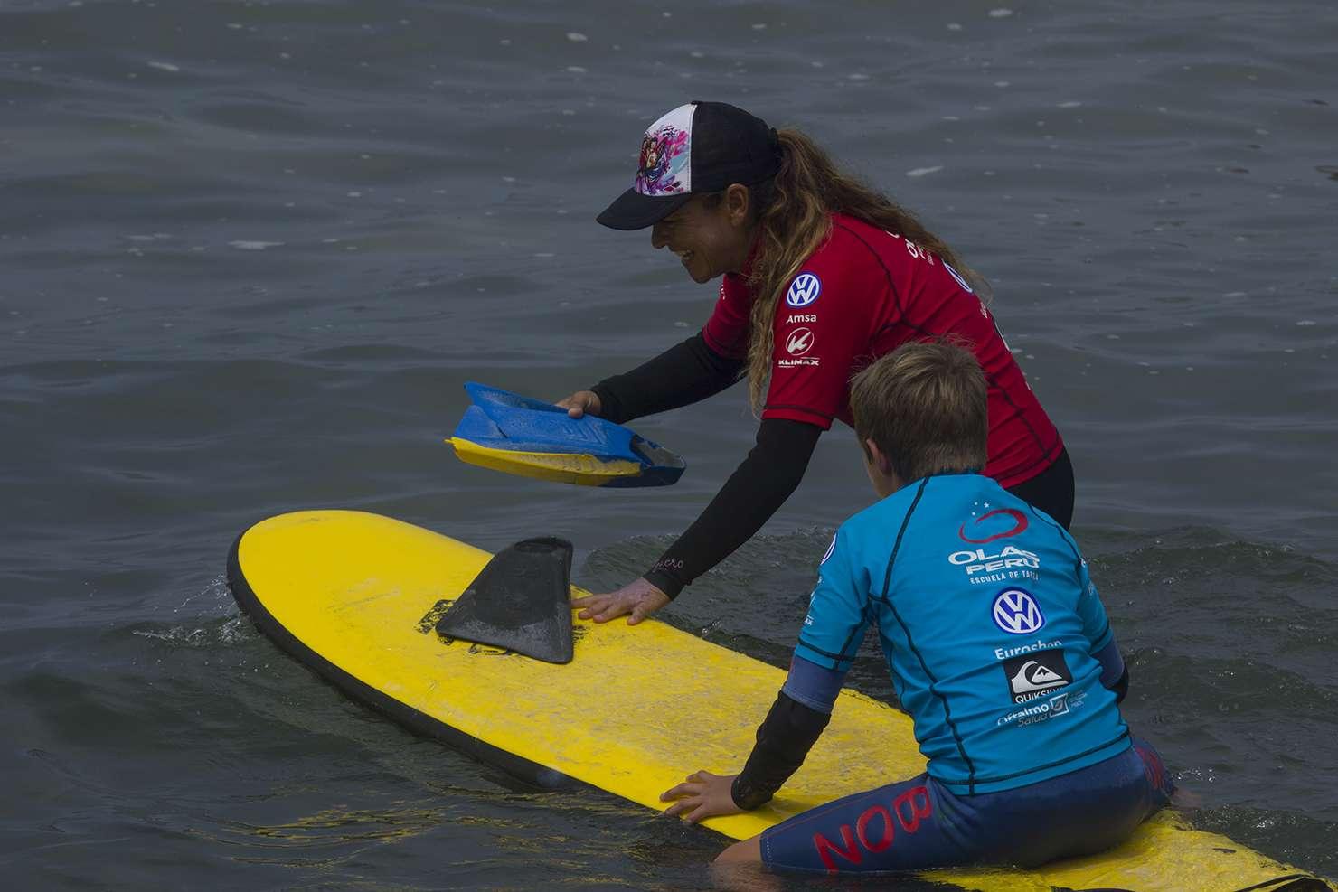 Escuela de surf Olas Perú
