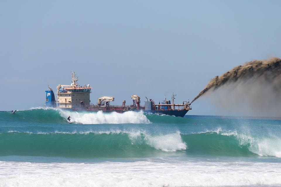 Inversión de $13 millones repone arena y surf en el Gold Coast