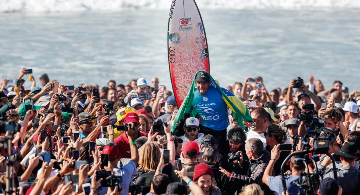 Gabriel Medina gana en Portugal y se convierte en candidato al título mundial