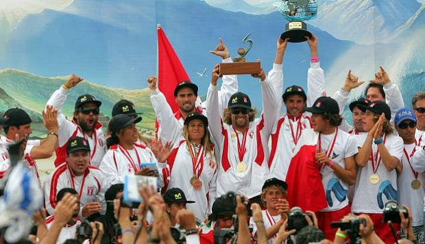 Deportistas del surf peruano serán condecorados con los Laureles Deportivos