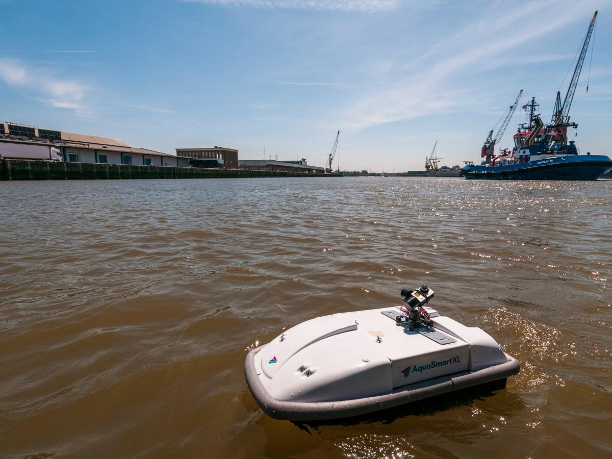 """""""Drones"""" acuáticos que limpian los océanos"""