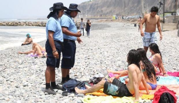 Venta o consumo de licor en playas de Miraflores serán sancionados con más de 2 mil soles