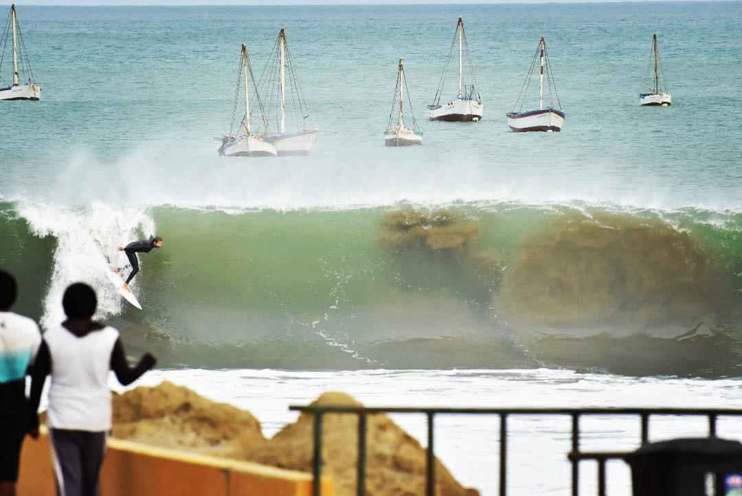 [PORTADA] Jeronimo Castagnetto aplicando toda la clase tubera en Cabo Blanco