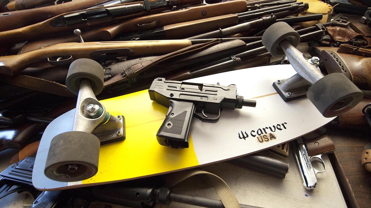 Cambian armas de fuego por Carver Skateboards