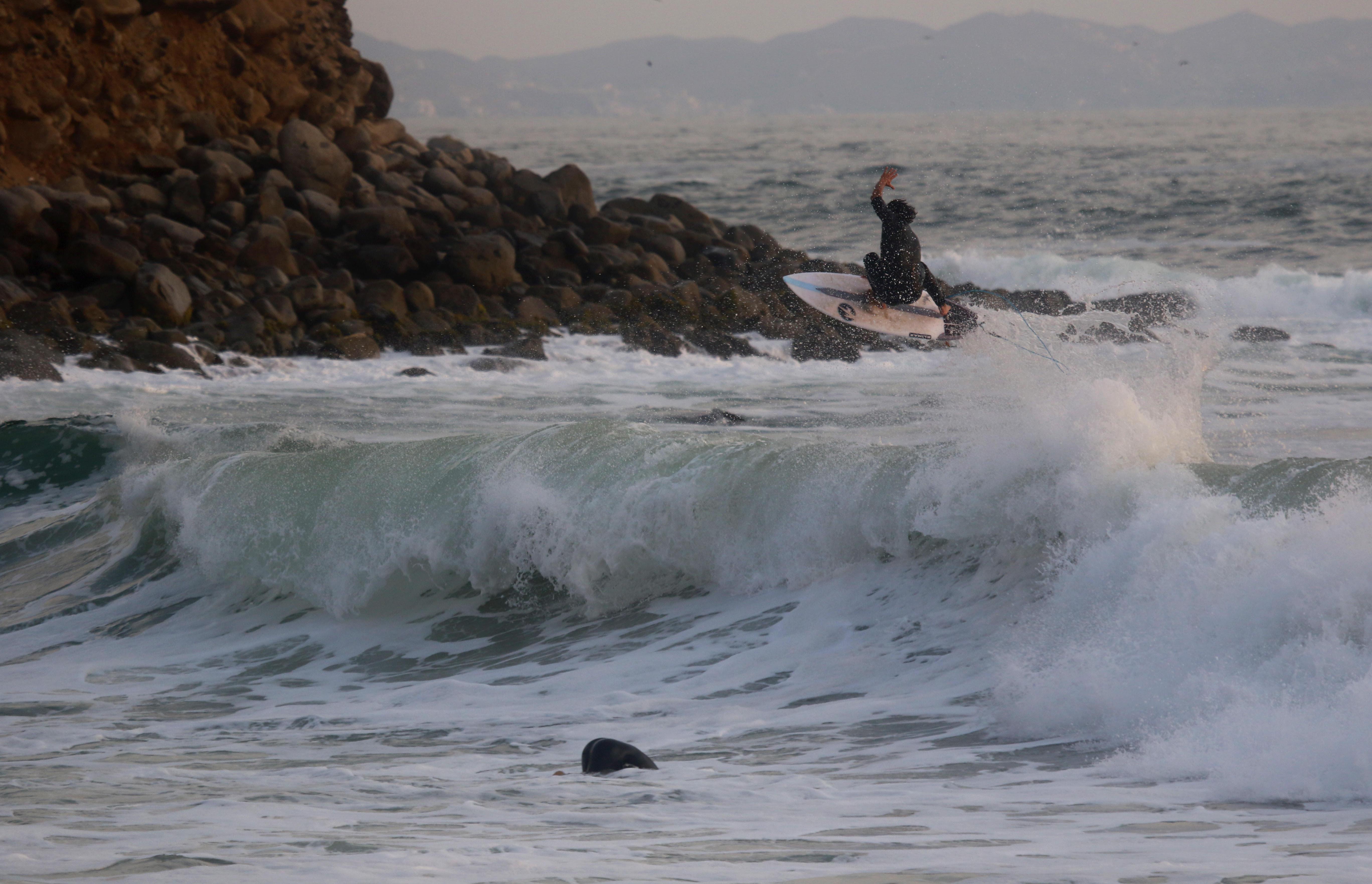 [PORTADA] Ricardo Cruzado despegando en Playa Norte