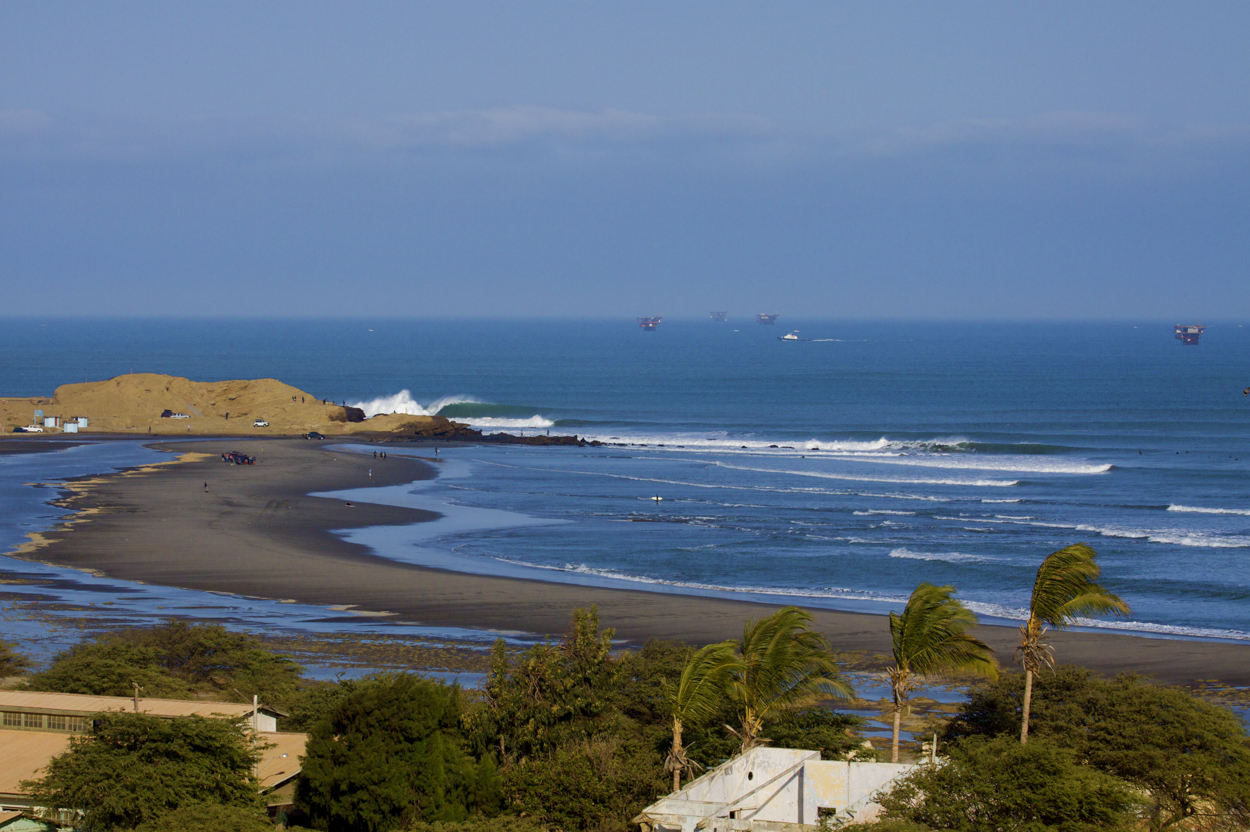 Perú fortalece reconocimiento como destino internacional de aventura gracias al surf