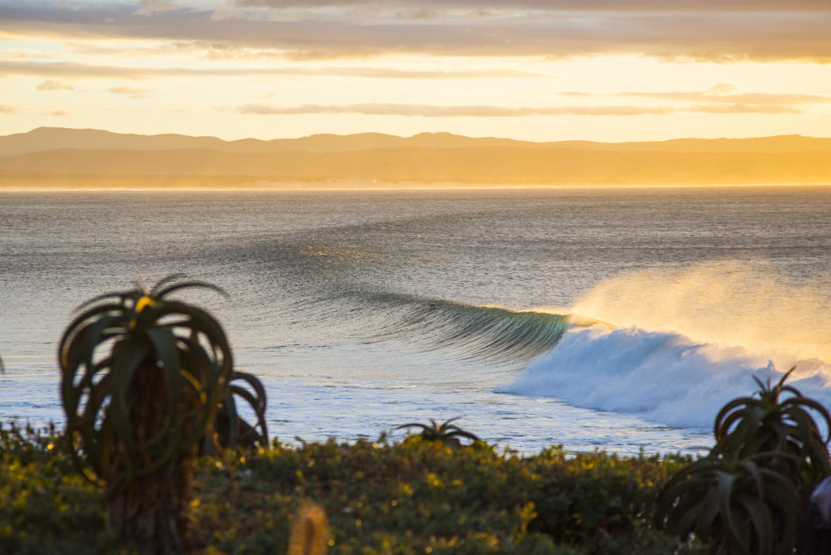 Jeffreys Bay, conoce la ola reina de Sudáfrica