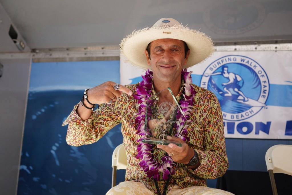Fernando Aguerre ingresó al Paseo de la Fama del Surf