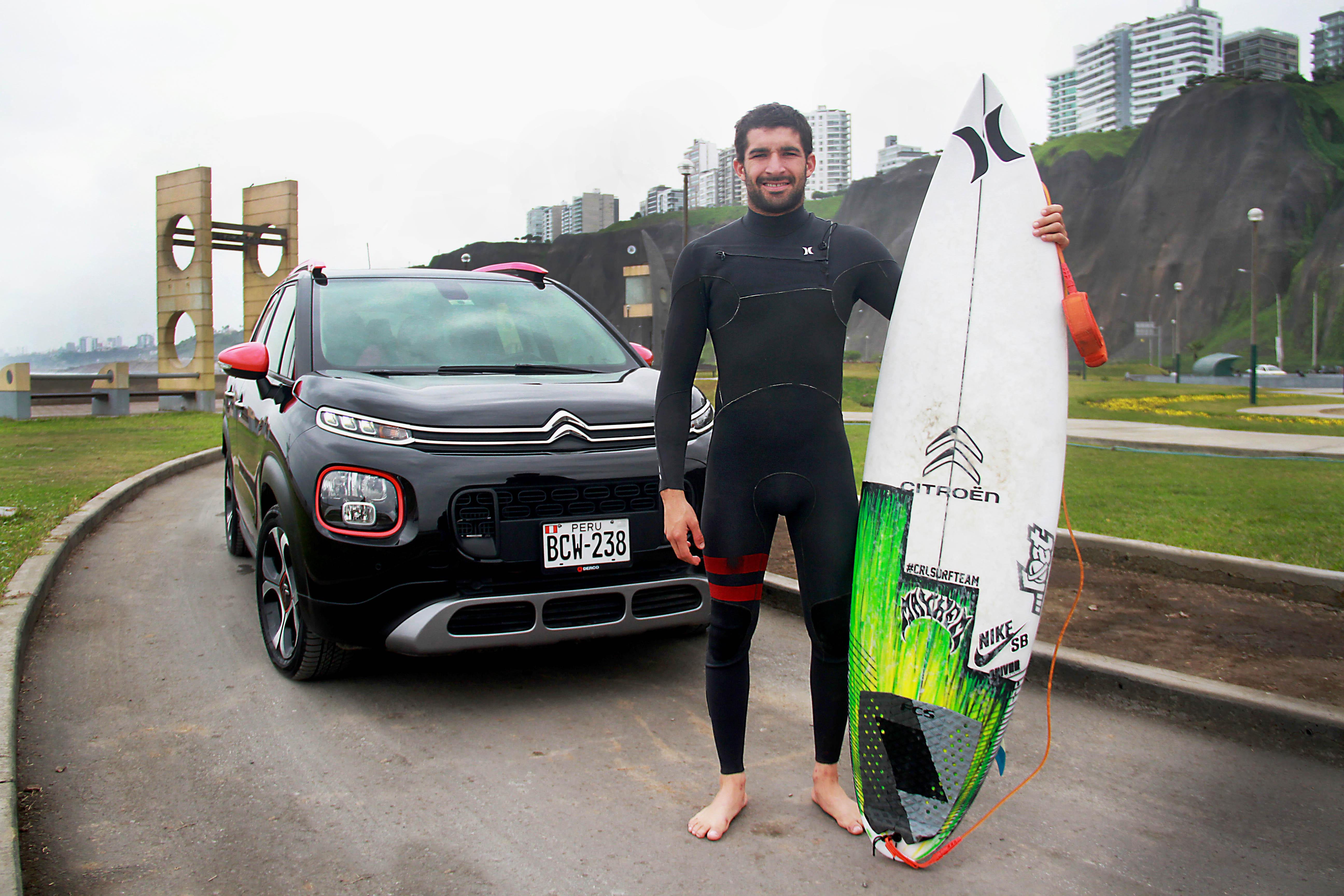 Cristóbal De Col entrena para los Panamericanos de Surf