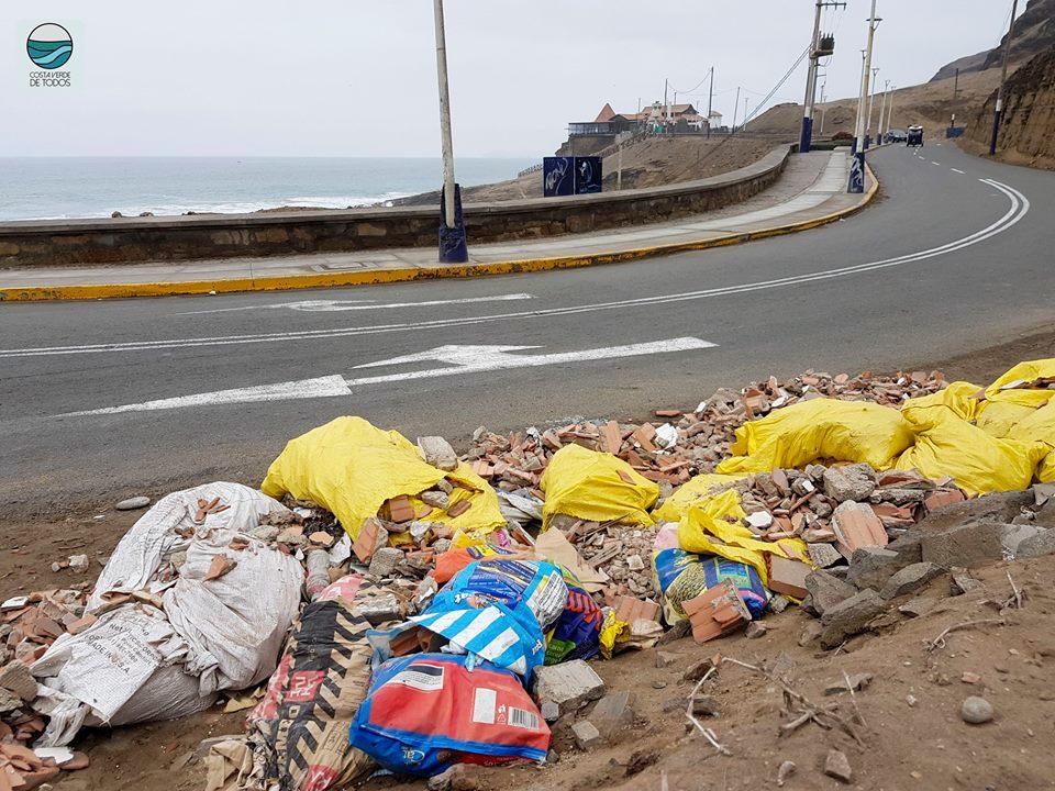Playa La Herradura: La lucha contra la basura y la indiferencia