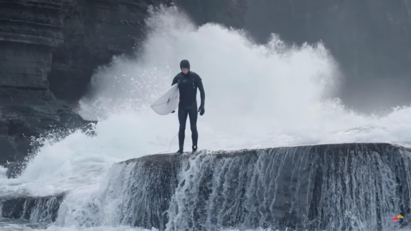 La historia de los pioneros del surf en Irlanda