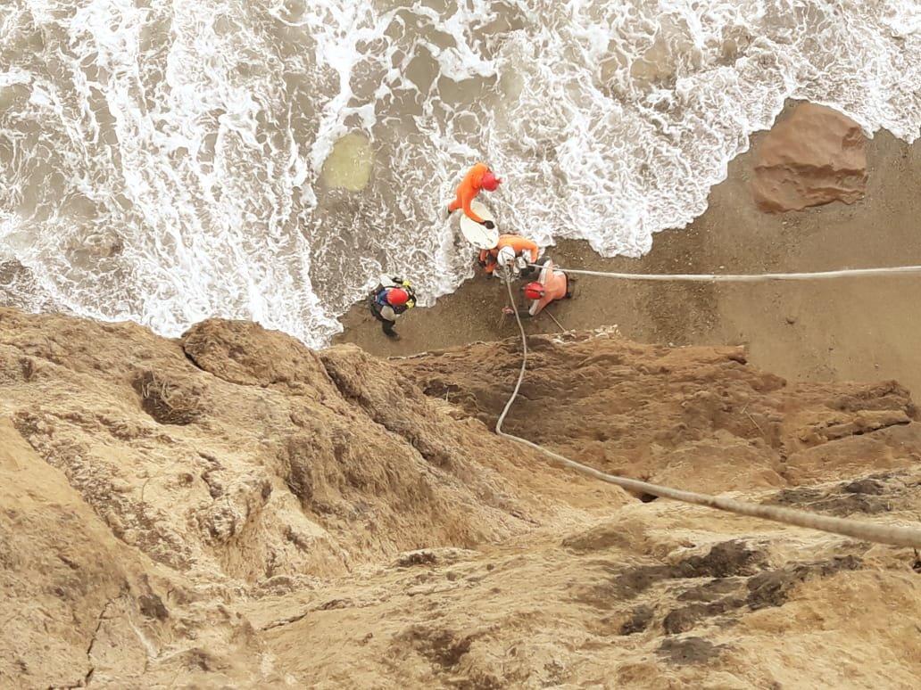 Así rescataron a cuatro surfistas argentinos atrapados por una tormenta
