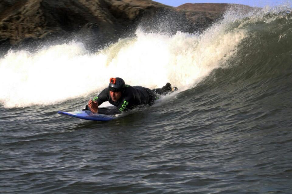 Pancho Arbulú rumbo al primer Sudamericano de Surf Adaptado en Argentina