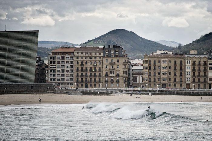 14 ciudades de surf de todo el mundo, incluida Huanchaco, intercambian experiencias en San Sebastián