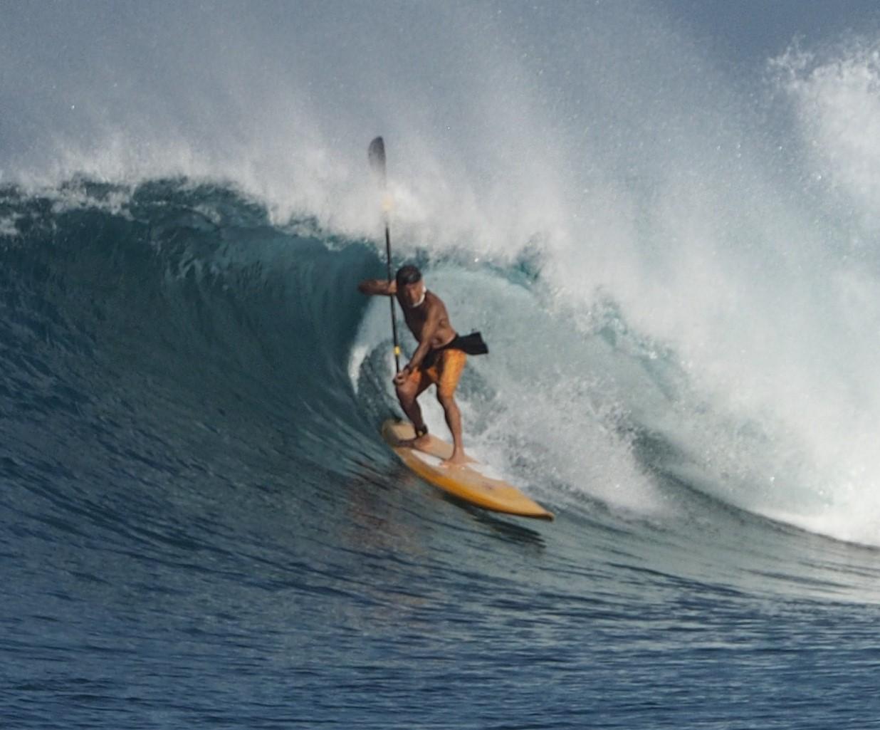 "Felipe Pomar realiza su primer ""Surf Till 100"" en Indonesia"