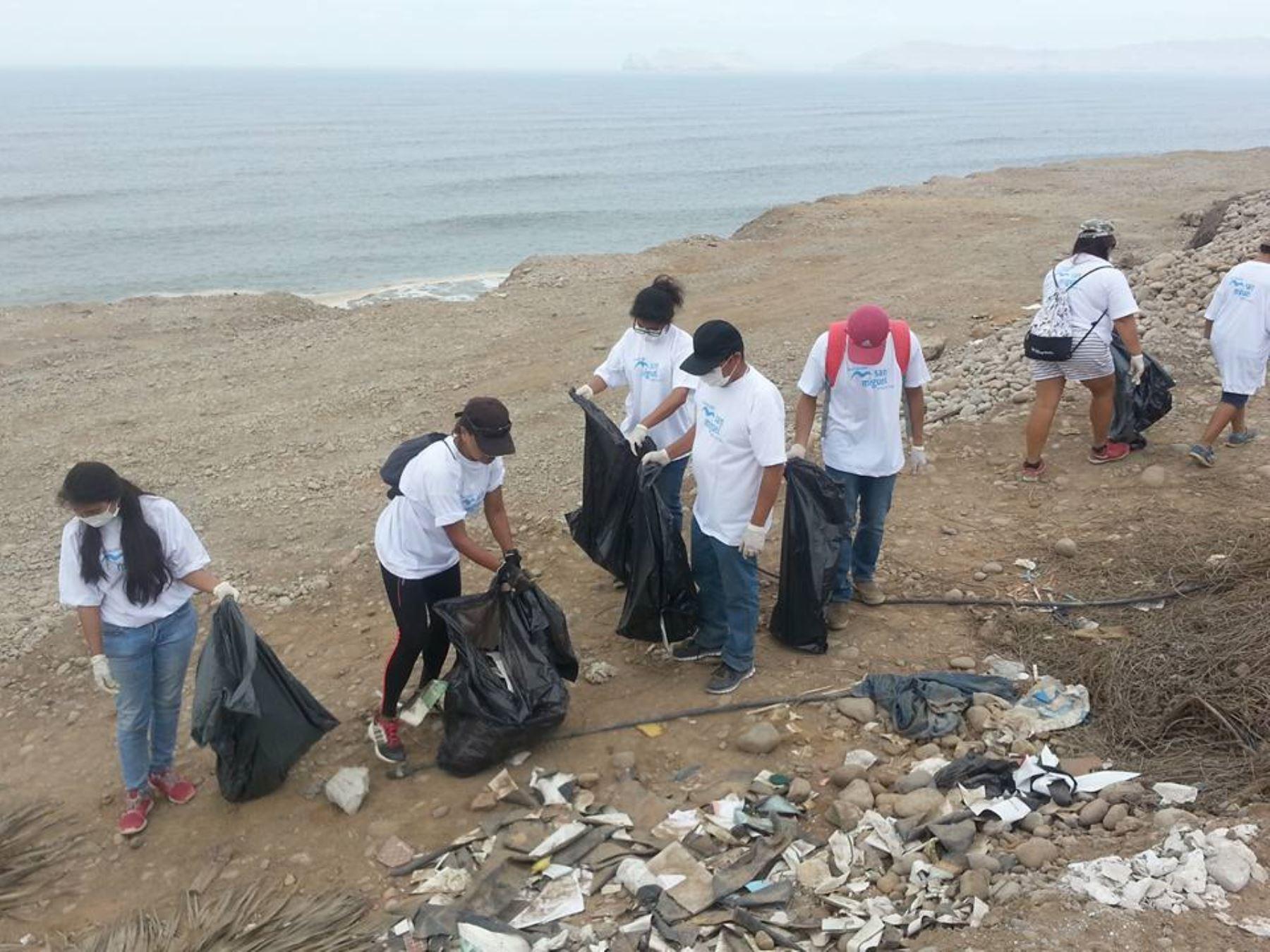 San Miguel: Recolectan 3 toneladas de basura de la zona costera