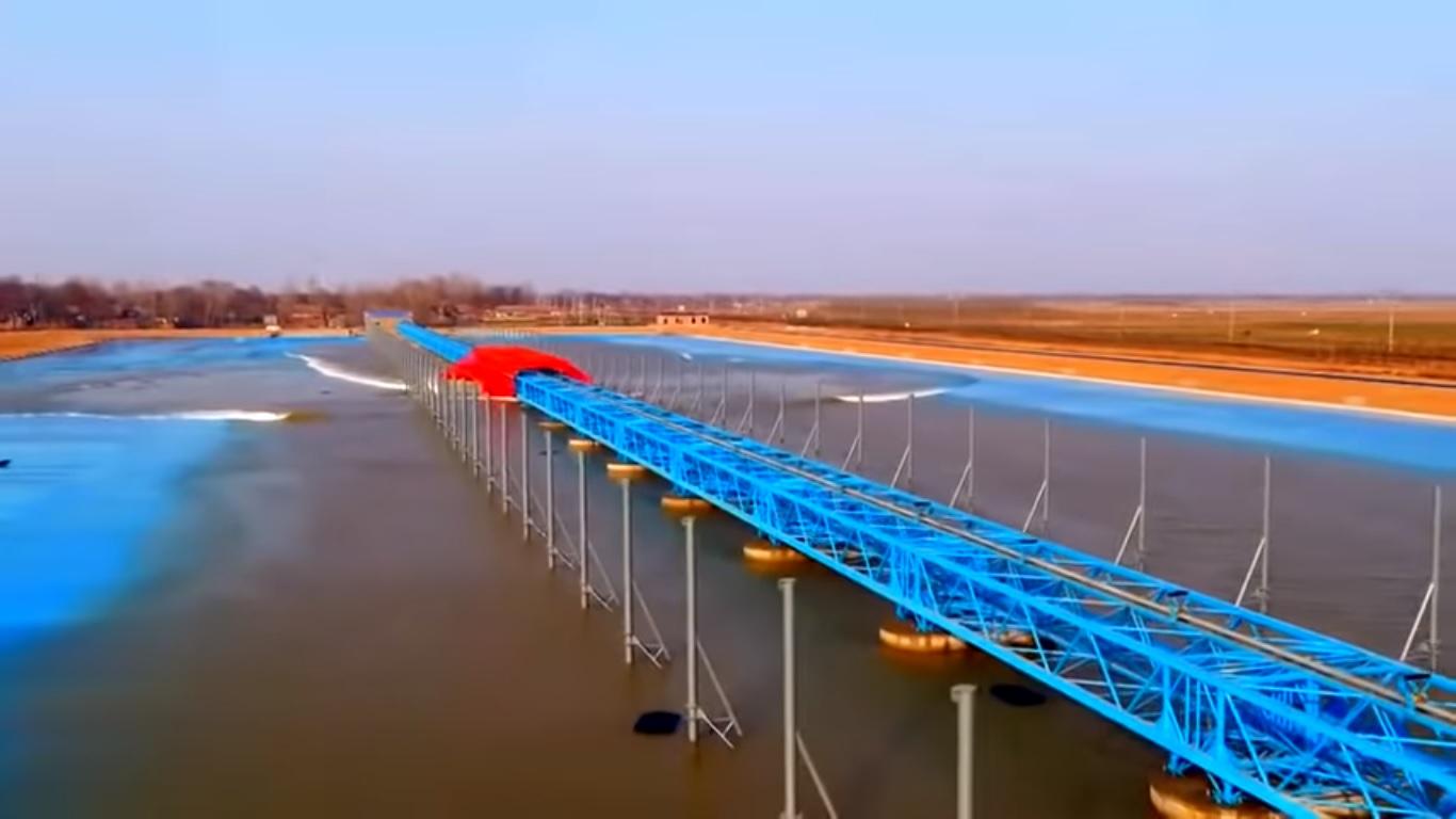 China revela su primera piscina de olas parecida a la de Kelly Slater
