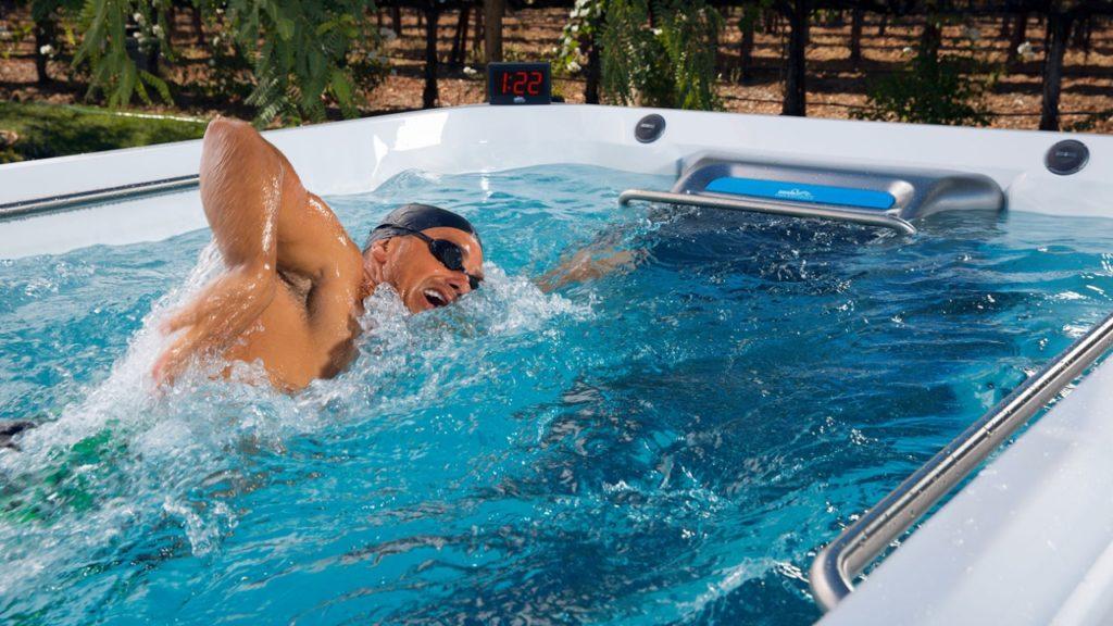 """Inauguran en Lima piscina """"sin fin"""" para mejorar el rendimiento físico"""