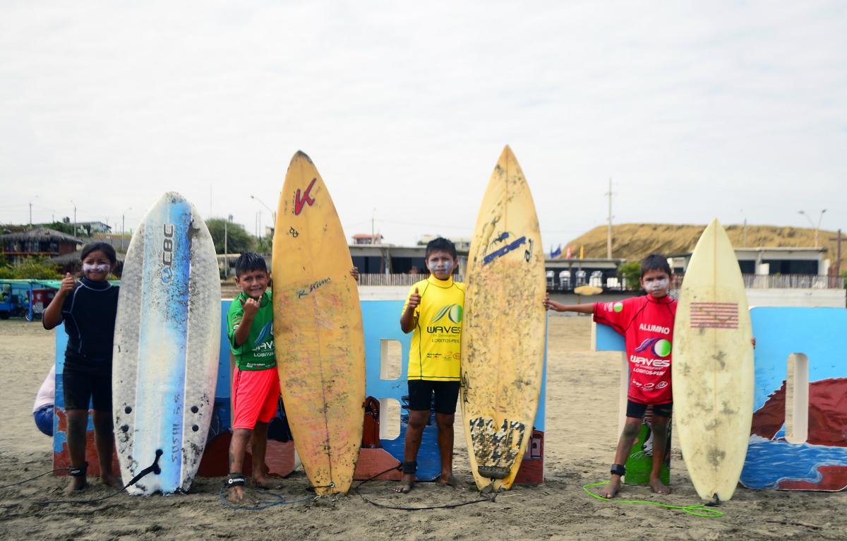 Primer campeonato de surf Municipal en Lobitos