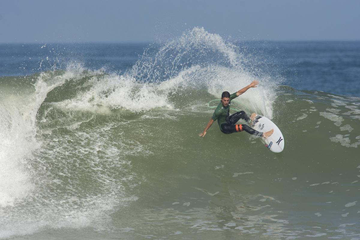 Alonso Correa cuartofinalista en Manly Beach