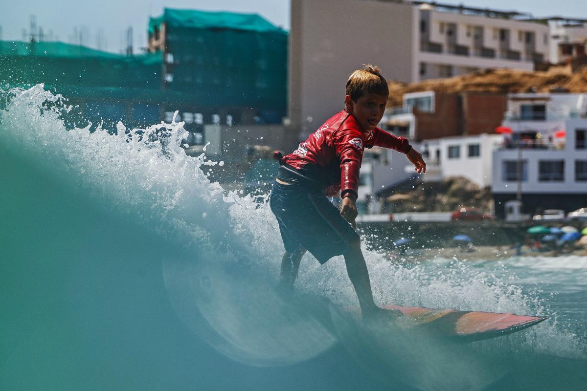 La prioridad regresa a los niños del Semillero Euroshop de Surf