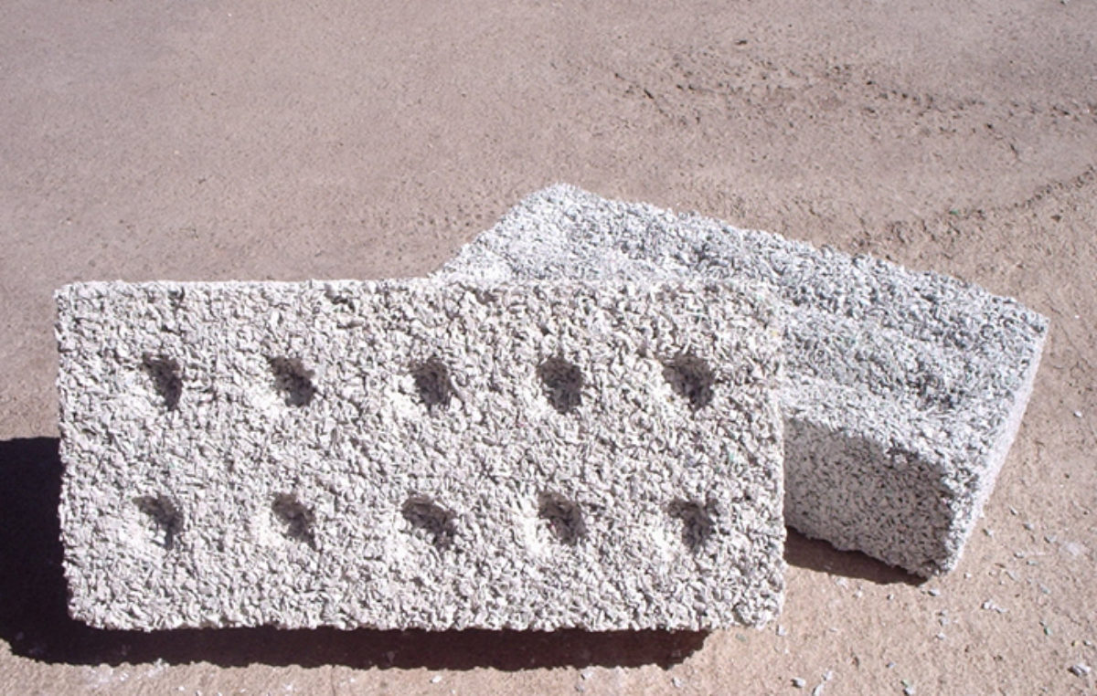 Arequipa: Escolares crean ladrillo a base de plástico