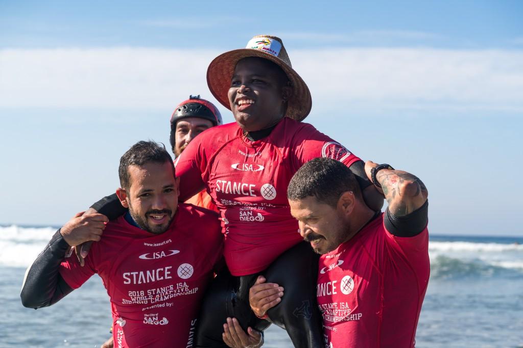 ISA lanza su programa anual de becas para jóvenes surfistas