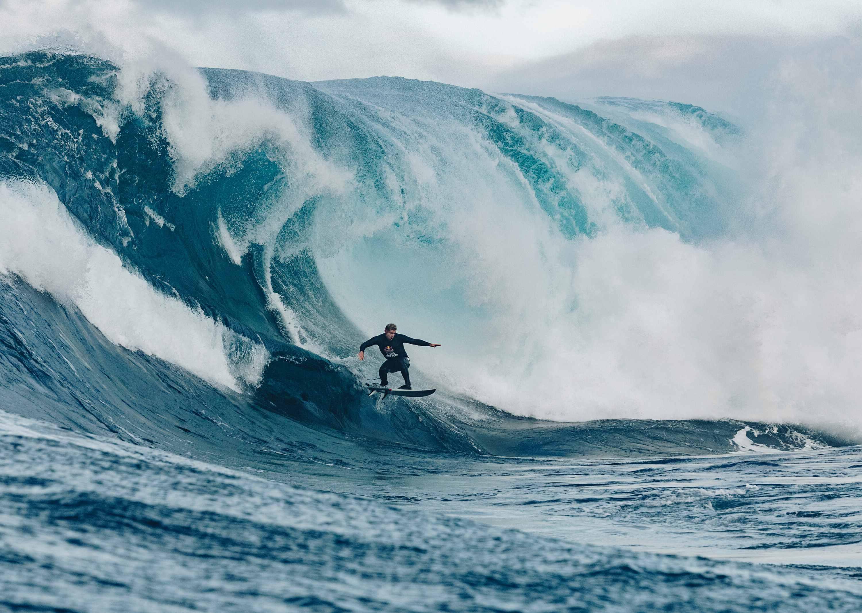 Nathan Florence domó las olas de Shipstern Bluff y venció en el Red Bull Cape Fear