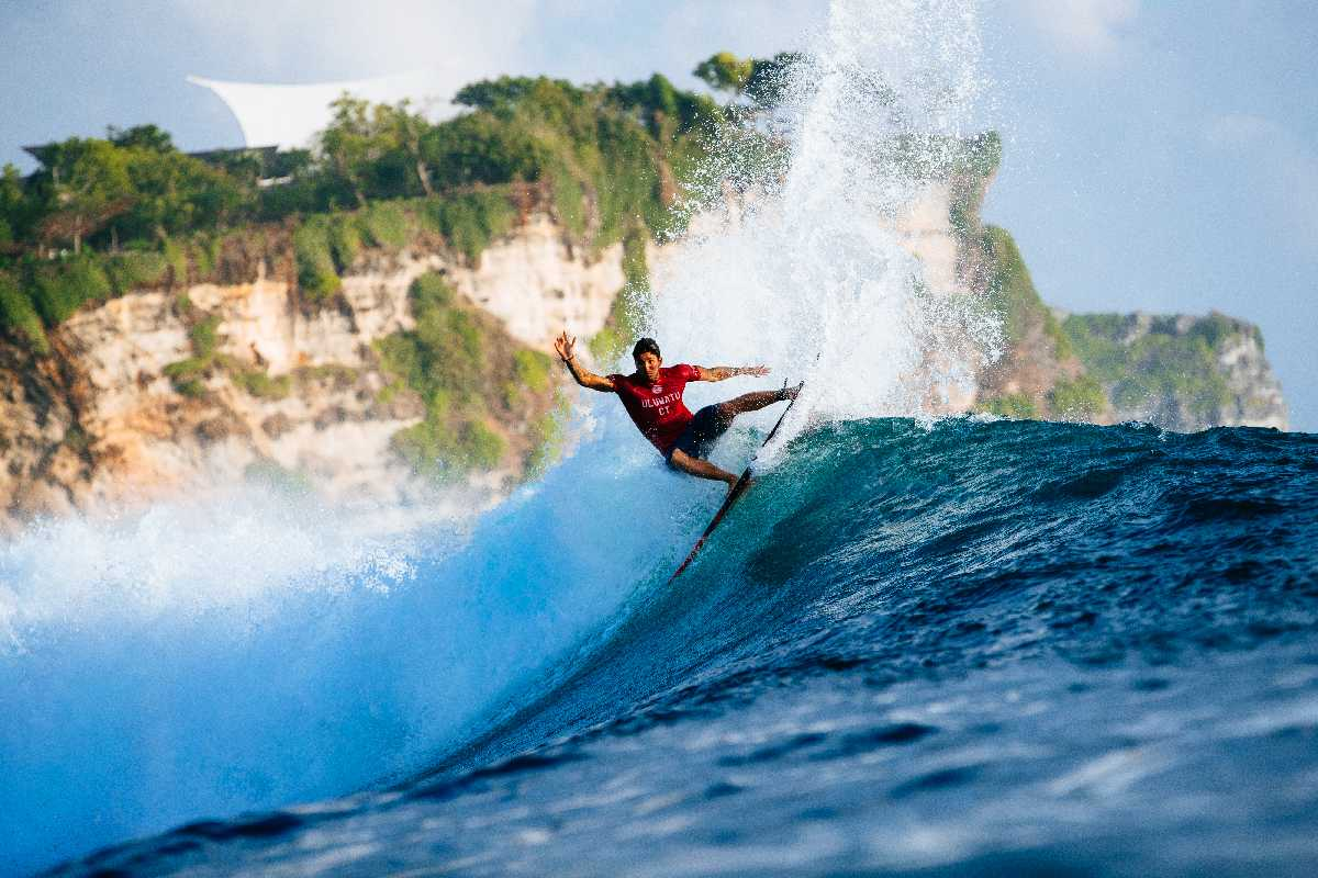 Corona Bali Protected: Kanoa Igarashi y Silvana Lima destacan en el día 2