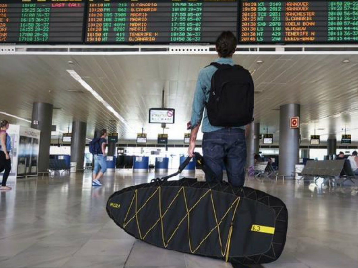 American Airlines reduce tarifas para tablas de surf