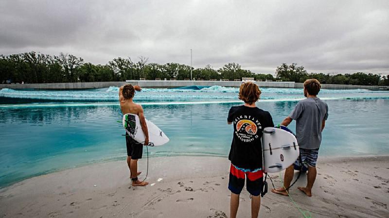 Texas: Preocupación en Waco por muerte de otro surfista en piscina de olas
