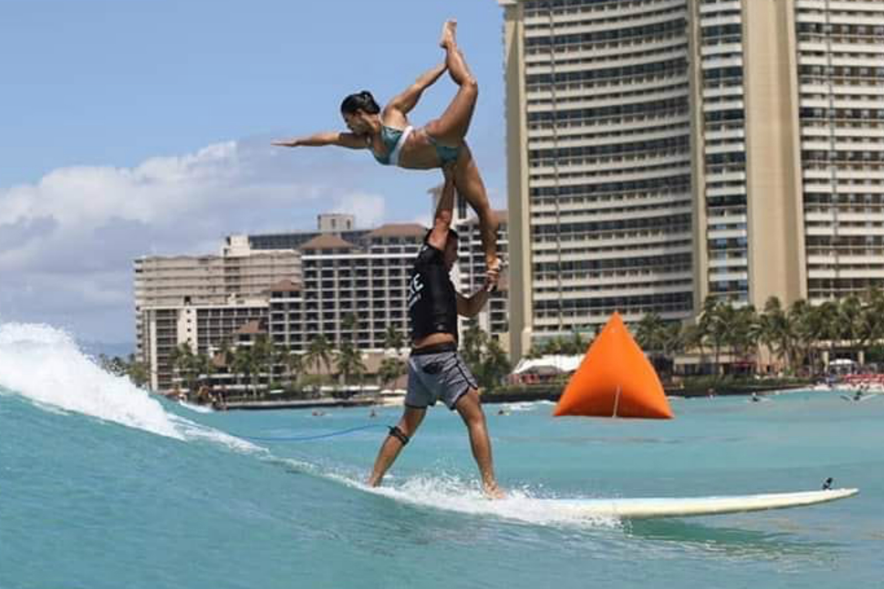 Portada: Surf Tandem Perú en Waikiki - Hawaii