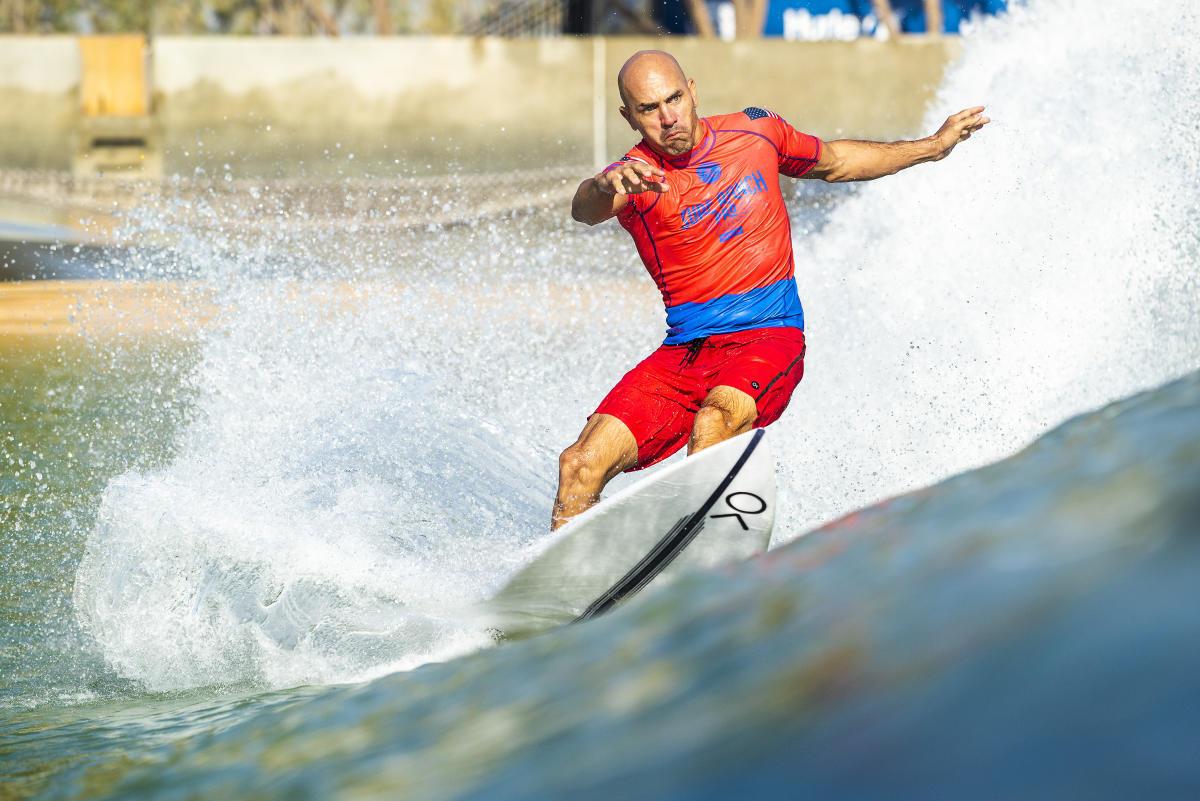 Estrellas del CT se alistan para atrapar olas artificiales en su camino hacia el debut olímpico