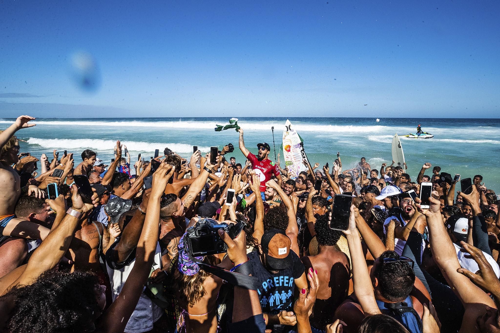 """""""Sindicato"""" de surfistas llega a un acuerdo por 10 años con la World Surf League"""