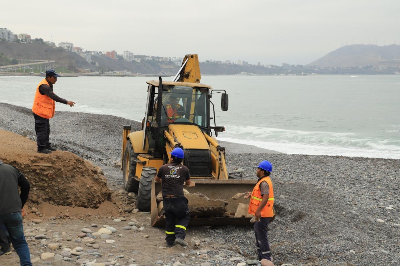 Costa Verde: Después de dos décadas escombros y fierros oxidados fueron recogidos en playa Redondo