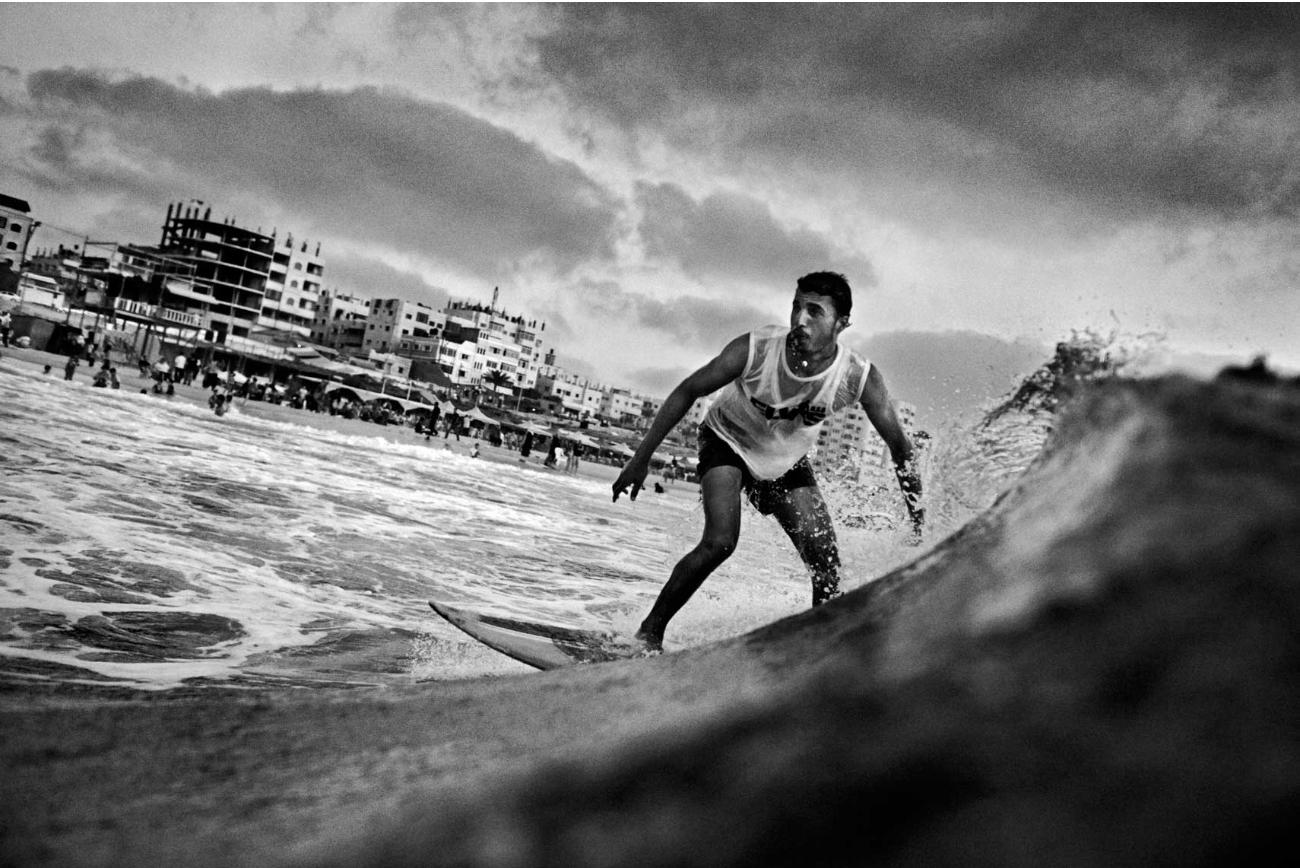 Palestina y su primer club de surf