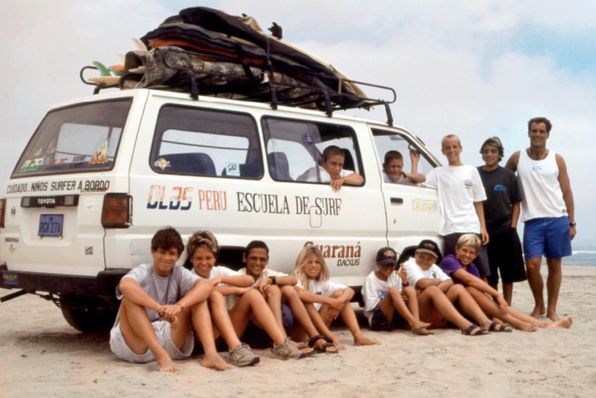 [VIDEO] Historia Escuela de Surf Olas Perú - Roberto Meza