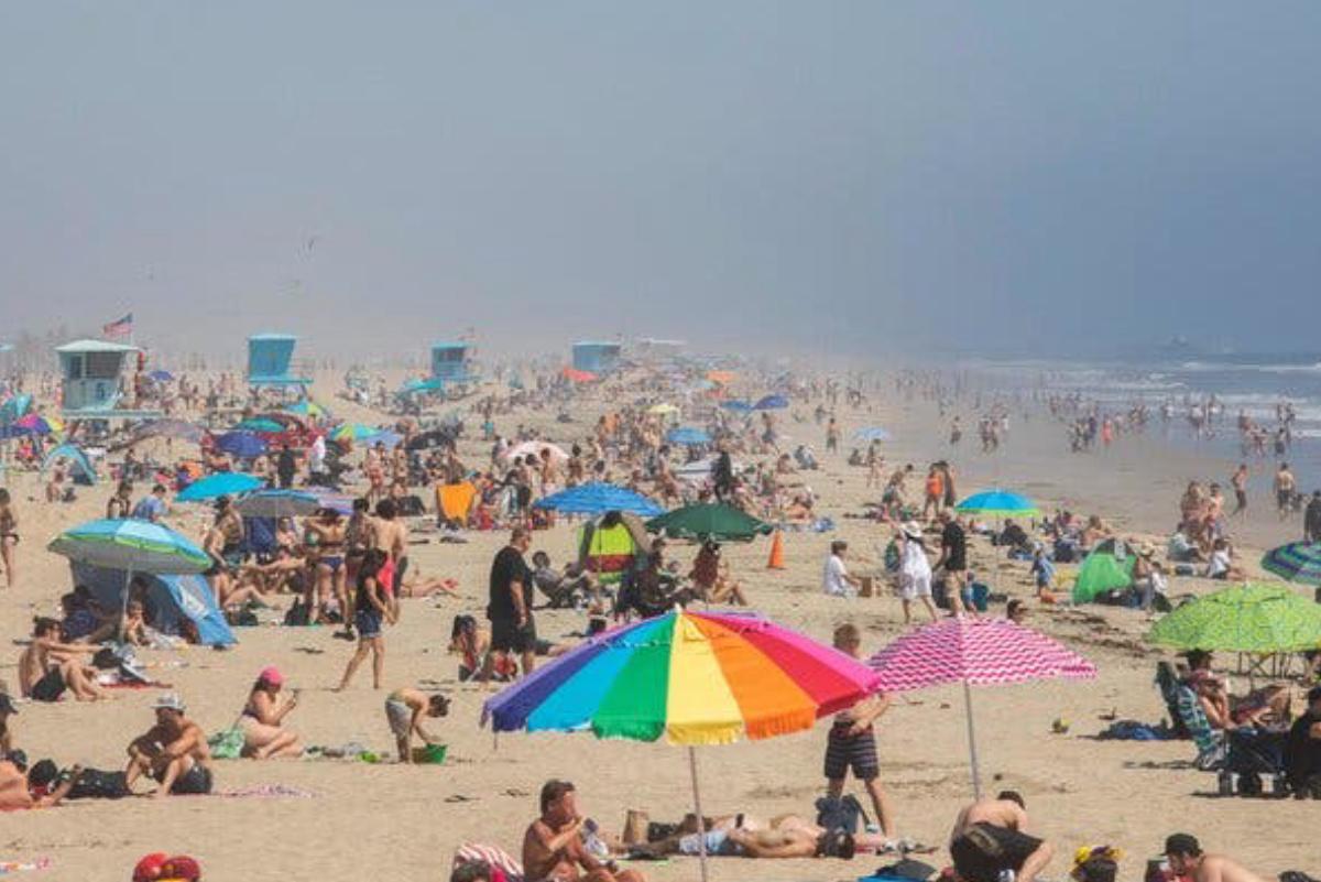 California volverá a cerrar sus playas tras lucir abarrotadas en plena pandemia