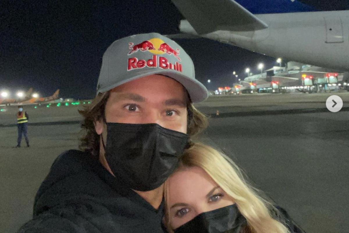 Jordy Smith quedó varado en aeropuerto de Johannesburgo