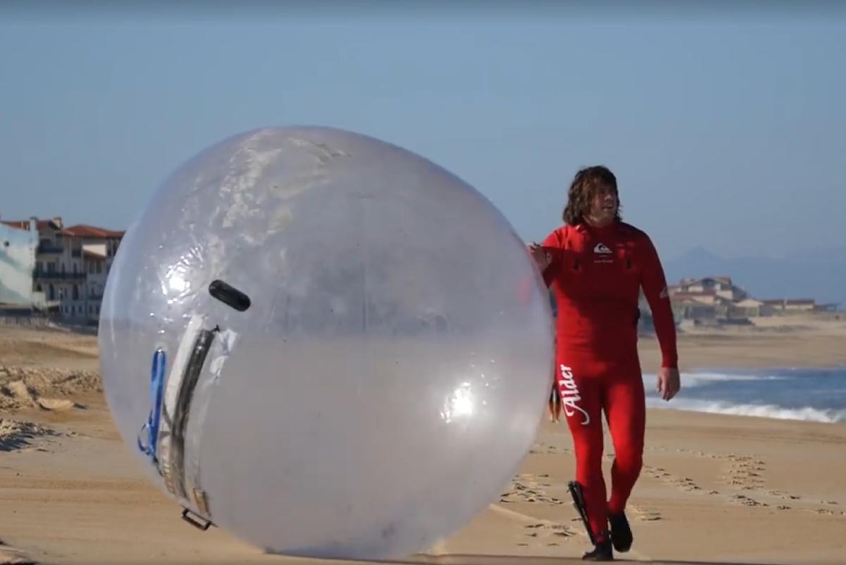 Descubren cómo surfear respetando la distancia física