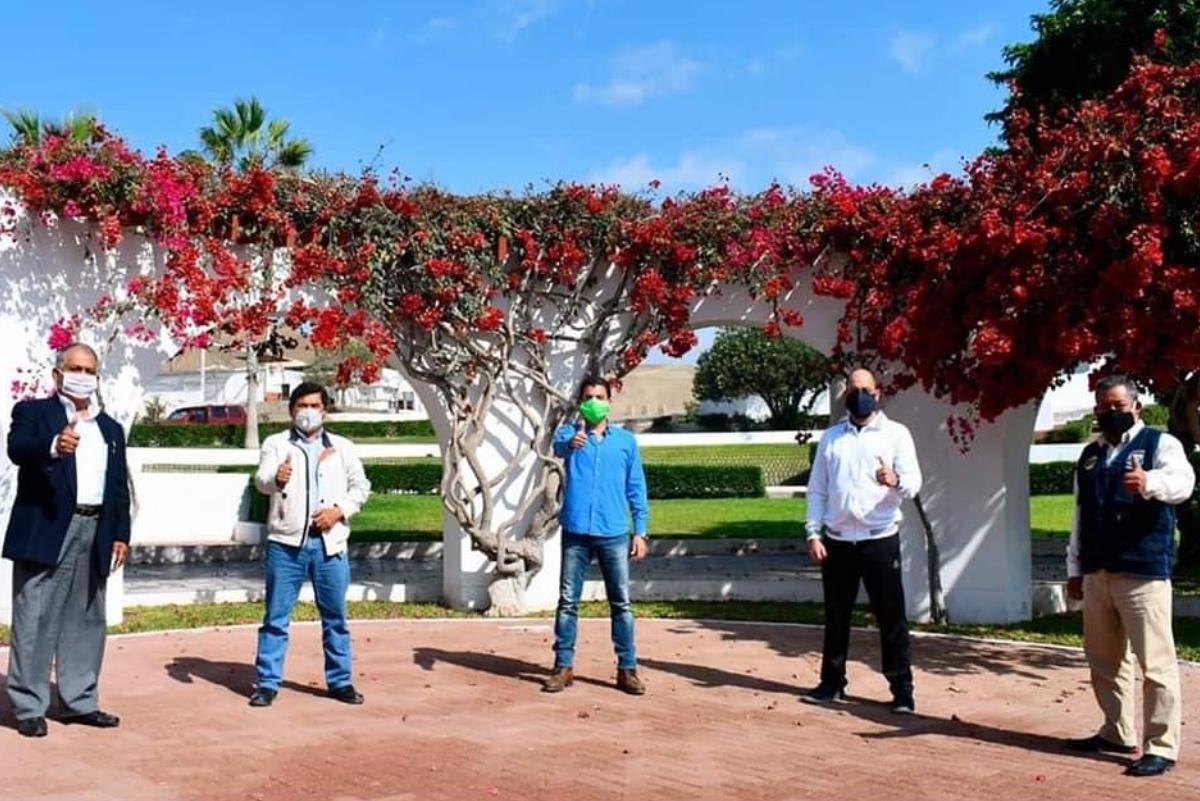 Alcaldes del sur de Lima se unen para el regreso del surfing