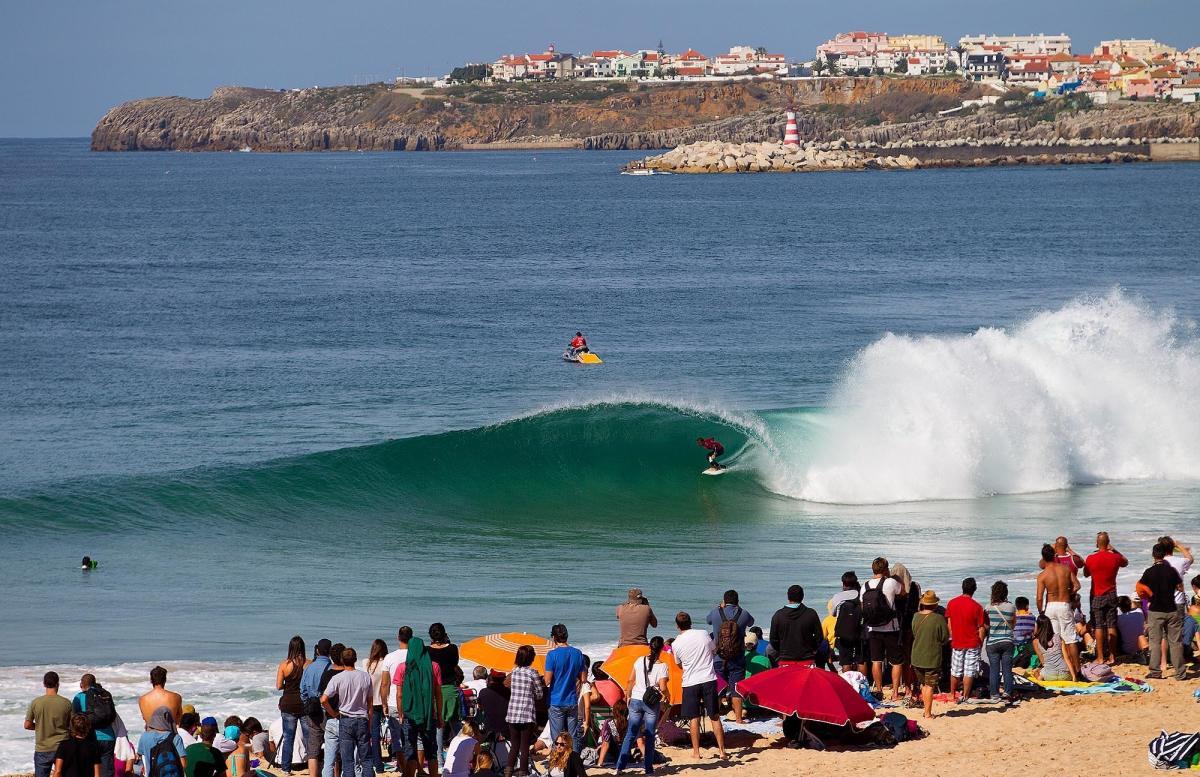 Portugal podría reanudar su torneo nacional de surf este mes