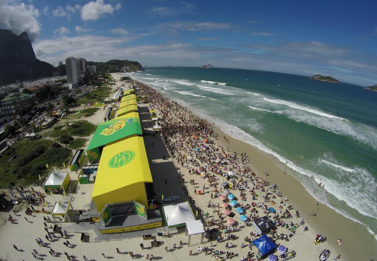Brasil: bañistas tendrán que reservar su espacio para acudir a playas