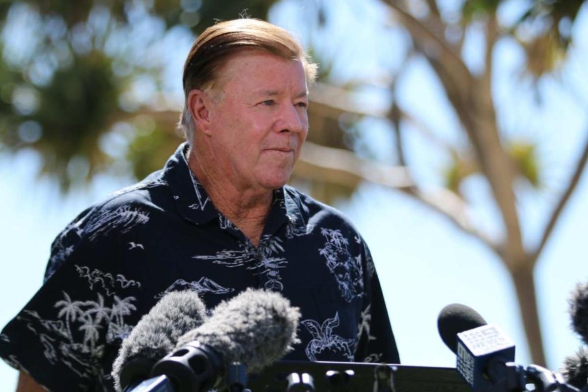Leyenda viva del surf australiano es presentado como candidato a la presidencia de Burleigh Heads