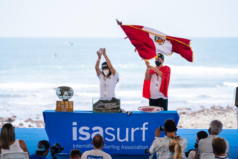 Peruanos y sus rivales en el debut del surf en Tokio 2020
