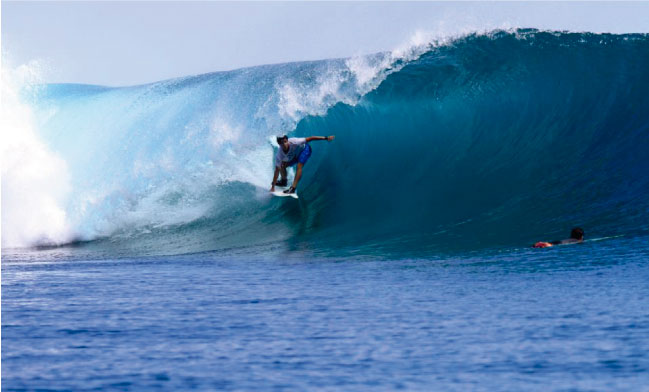 Lucca Mesinas afina la máquina para su próximo QS en Japón pero antes, un surf trip por Indo