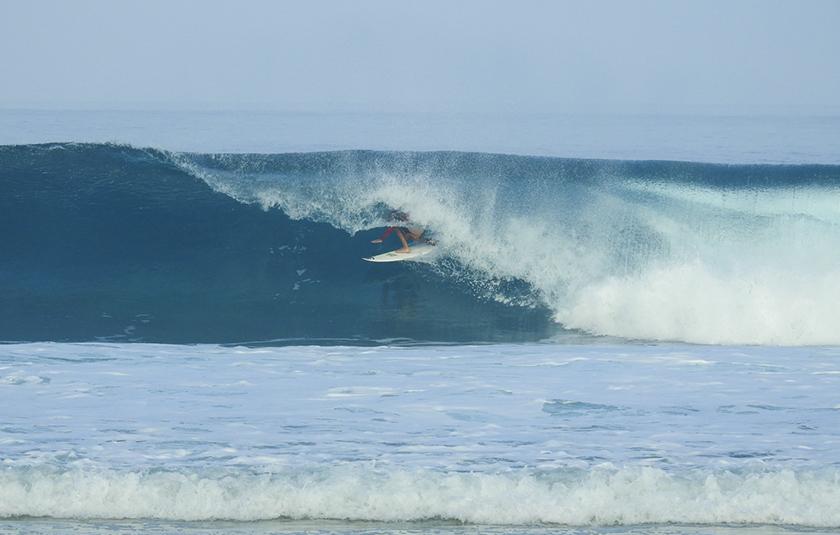 Portada: Alonso Ruiz en plena temporada hawaiana