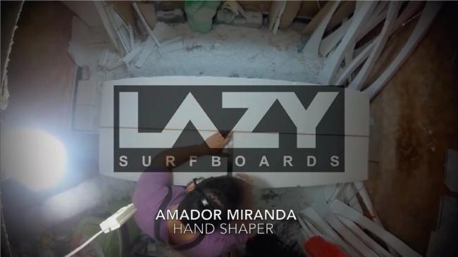 Shapeando una Mini Simmons con Lazy Surfboards