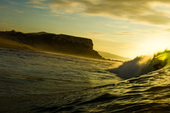 El surf, la mejor terapia física y mental de todas