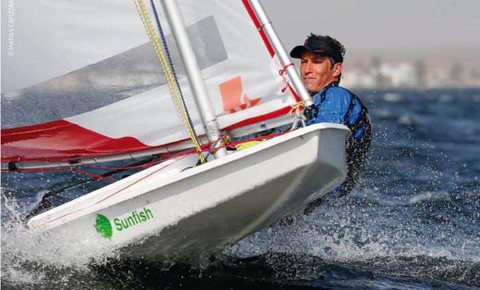 Velerista peruano Alonso Collantes repite victoria en mundial de Sunfish